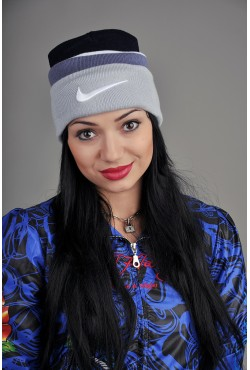 Женская спортивная шапка Nike BWG