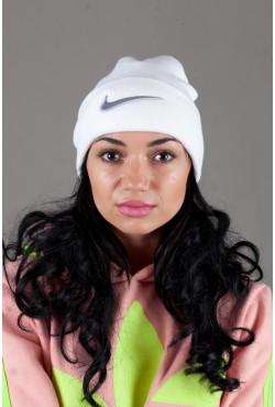 Женская спортивная шапка NikehiteS