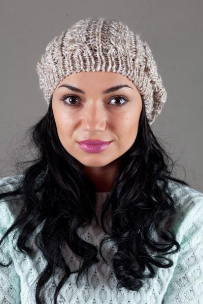 Женская вязанная шапка W-Luxury 9197S-814