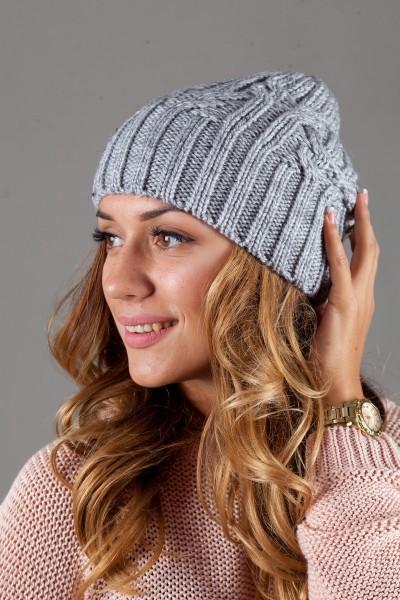 Женская вязанная шапка W-Luxury 630S-3