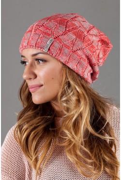 Женская вязанная шапка OdysseyKvant-Red