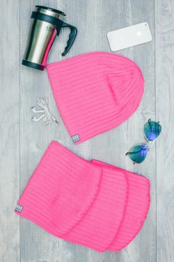Женская трикотажная шапка Ozzi Warm розовая