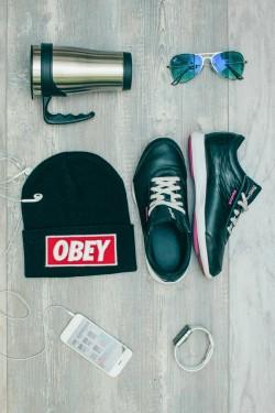 Мужская шапка Obey черная