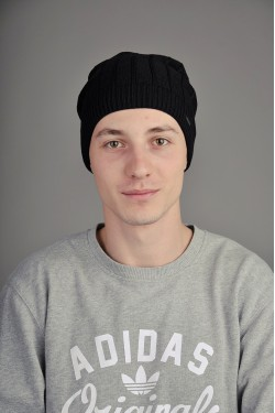 Мужская трикотажная шапка Ozzi Line черная