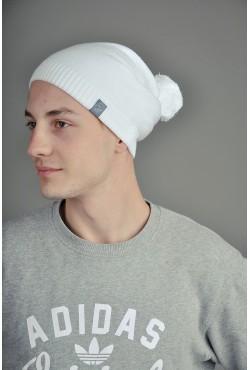 Мужская трикотажная шапка белая