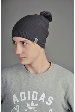 Мужская трикотажная шапка серая