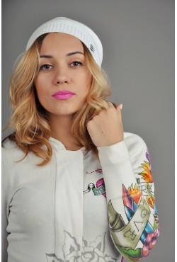 Женская трикотажная шапка Ozzi Classic белая