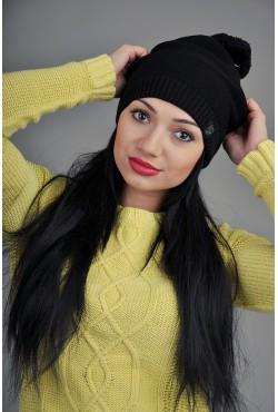 Женская трикотажная шапка черная