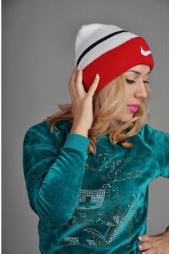 Женская спортивная шапка Nike WBR