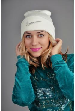 Женская спортивная шапка Nike белая