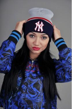 зимние шапки, Женская шапка New York GRB