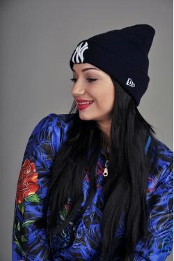 зимние шапки, Женская шапка New York синяя