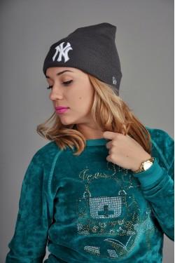 зимние шапки, Женская шапка New York серая