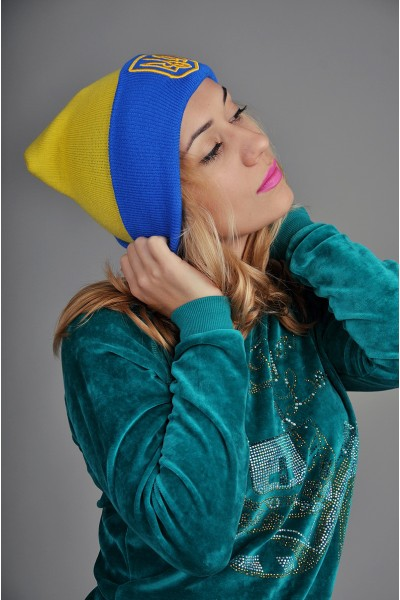 Женская шапка Ukraine