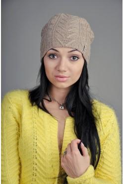 Женская вязаная шапка 723