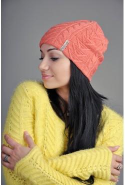 Женская вязаная шапка 702